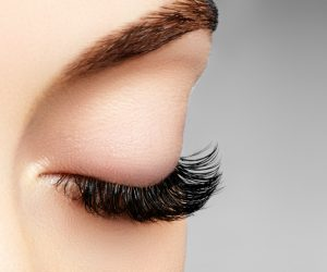 Eyelash SOS! Keep Your Lashes Healthy This Spring
